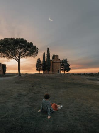 val-orcia-sunset-clay-banks-unsplash